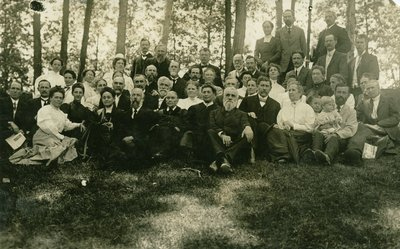 Ellen G. White with Australian workers at the 1909 General Conference Session, Takoma Park, Maryland, May,June 1909